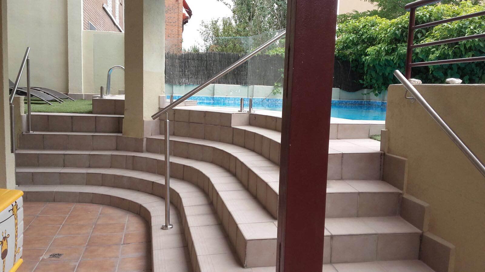barandilla cristal piscina